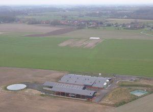 La ferme-usine d'Heuringhem vue du ciel